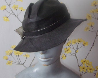 Vintage 1930s 40s Black Ladies Hat Black Fine Straw Hat Side Dart Design Folded Crown
