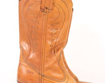 VINTAGE Tan Leather Dexter Heeled Cowboy Boots 7.5 | Boho Brown Leather Booties