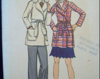 Wrapped Jacket with Raglan Sleeves 1980s Butterick Pattern 6528 Size 12 Bust 34""