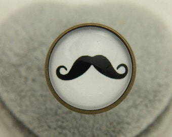 RING mustache on a red background with white weight (2020B)