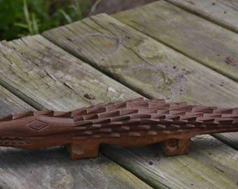 "eb2431 Alligator Wooden Hand-carved Wood Gator Tramp Folk Art Kitschy 18.75"" Long"