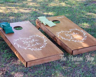 Vine Heart & Names Custom Cornhole Set