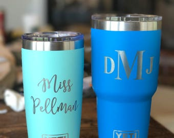 10oz, 20oz, 26oz and 30oz Custom Engraved YETI, Vacuum Sealed Tumblers w/ Clear Lid, Personalized Travel Mug, Engraved YETI Cups