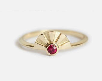 Ruby Ring, Ruby Solitaire Ring, Gold Mothers Ring, Fold Mom Ring, Birthstone Ring, Sun Ring, Sun rays Ring, July Birthstone Ring