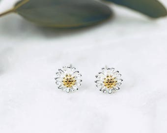 Sterling Silver Daisy Earrings • Sterling Silver Studs • Dainty Silver Studs • Silver Daisy Studs • Daisy Jewellery • Bridesmaids Gift