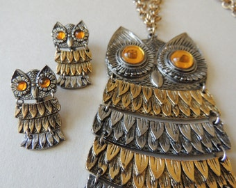 Vintage CELEBRITY Articulated Owl Necklace and Matching Earrings