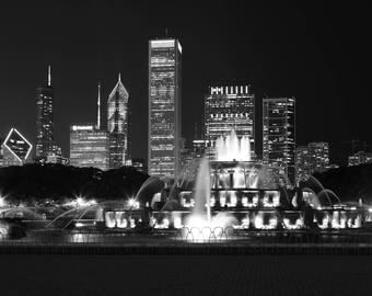 """Chicago skyline wall art, Buckingham Fountain picture, black and white photography, large photo print, paper or canvas decor 5x7 to 32x48"""""""