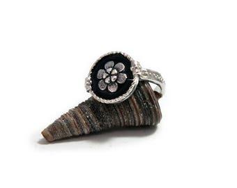Black Floral Ring, Flower signet ring, Vintage Floral Ring, Silver Black Ring, Floral Silver Ring, Black signet Ring, Silver flower ring.