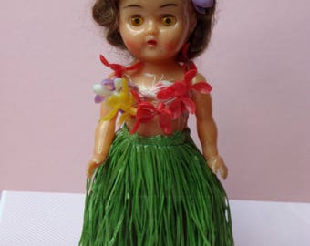 Vintage Hawaii ~ Hula Hula girl hard plastic doll  8""