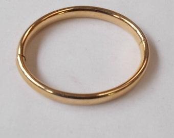 Gold Filled Bangle. (559)
