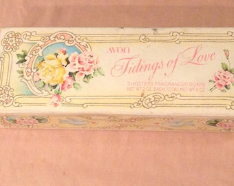 Vintage Avon TIDINGS Of LOVE Heart Collectible Hostess / Decorative Soaps