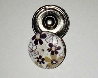 Snap Brown flower wooden button