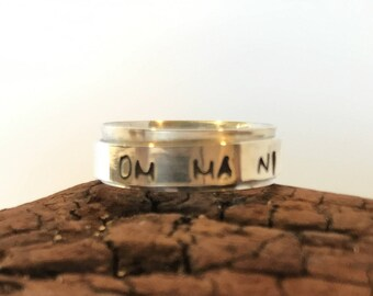 Personalized Narrow Spinner Ring