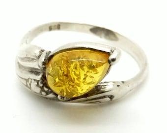 Baltic Amber Ring - Natural Amber & Sterling Silver Ring - Size 6 (16.5 mm) - 925 Silver Ring - Honey Amber Ring. Yellow Gemstone Ring