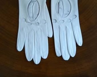 Vintage White Leather Women's Driving Gloves Made in England Size 7