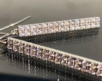 Absolutely stunning linear drop diamond earrings