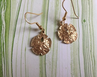 Brushed Gold Toned Metal Sand Dollar Dangling Earrings - Beach Jewelry - Ocean - Sea Shell - Pierced Vintage Jewelry