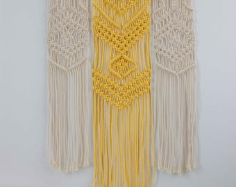 "SAMPLE SALE | Macrame Wall Hanging ""Daisy"" - 100% coton rope - Wooden dowel"