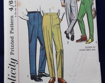 Sewing Pattern for Men's Trousers in Waist 32 - Simplicity 5695