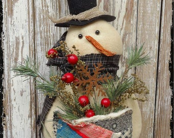 Handmade Primitive Snowmen With Quilt Pocket Filled Pine Greens & Berries Christmas Winter Decoration
