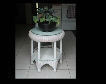 Vintage Wicker And Wood Accent Table   White Wash Wicker And Wood Two Teir  Table