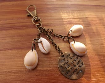Shell bag charms, sea purse charms, shell bag accessories, shell accessory, shell jewellery, bag decoration, beach bag charm, cowrie shells