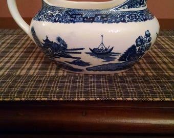 homer laughlin  blue  willow gravy boat