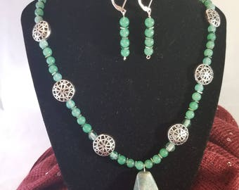 Aventurine and Hematite Necklace and Earring Set