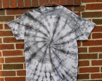 Black and Grey Spiral Tie Dye T-Shirt (L)
