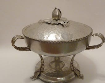 Vintage Aluminum Hand Wrought aluminum Warming Chafing Dish/footed Covered Casserole Creations by Rodney Kent/1940's aluminum buffet dish