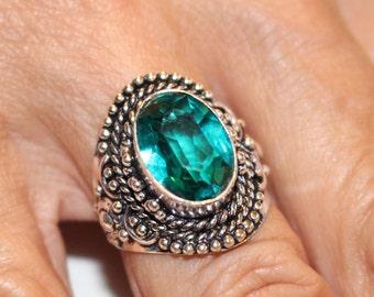 Green Quartz Ring- size 8!!