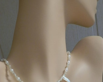 "Shimmering wedding necklace with original glass beads retrieved from ""CzechBeadsExclusive"""