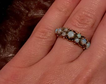 Vintage Opal 9ct Ring