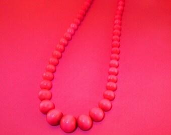 Vintage Pink Bead Necklace/vintage pink costume jewelry/vintage beaded necklace/vintage pink jewelry/online vintage shop/retrostreetshop