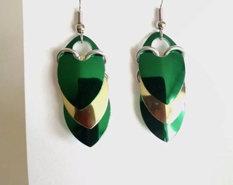 Shiny Dragon Scale Earrings - Green and Gold