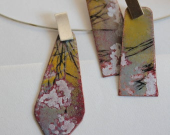 Queen Anne's Lace Pattern on Yellow, Gray, and Red Enamel Pendant
