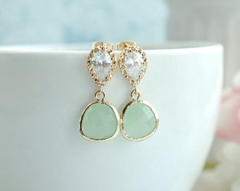 Light Mint Glass Pear Gold Earrings. Green Wedding Jewelry, Bridal Earrings. Minty Green Wedding. Bridesmaid Gift. Mint and Gold Wedding.