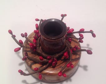 Accent candle holder with decorative candle ring