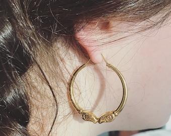 18k Gold Kissing Ram Hoop Earrings