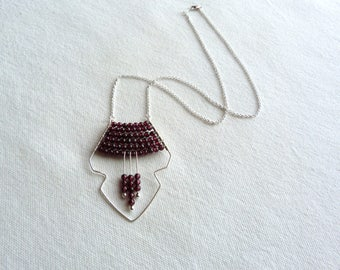 Necklace vintage style silver and Burgundy / Garnet and 925 sterling silver elegant necklace / natural stones and silver necklace