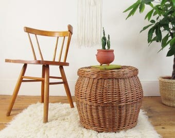 wicker basket,storage basket,rattan table,rustic basket,laundry hamper,end table,side table,nightstand,farmhouse antiques, primitive