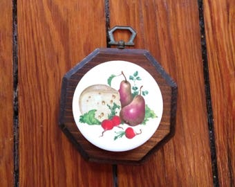 Pretty little wood and ceramic wall hanging, cheese and pairs