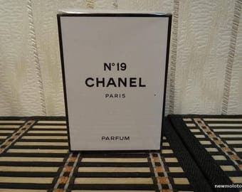 Chanel N.19 Chanel 28ml. Perfume Vintage