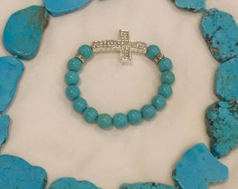 Hand knotted turquoise necklace with bracelet