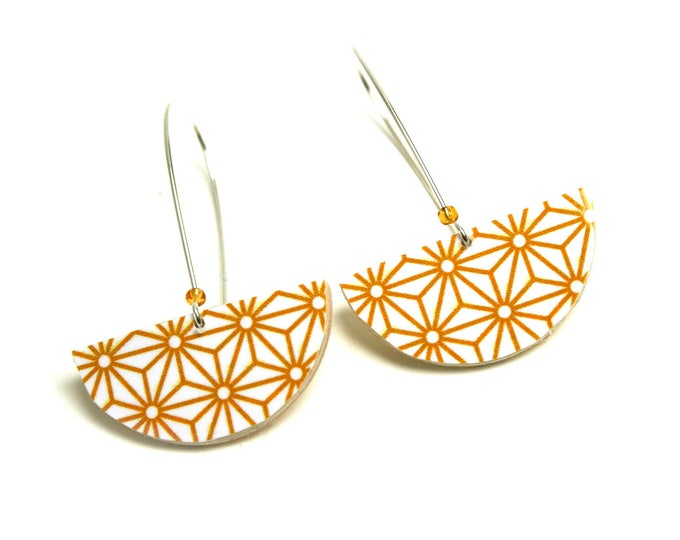 Earrings yellow curry Asanoha leather geometric Japanese stars, half round