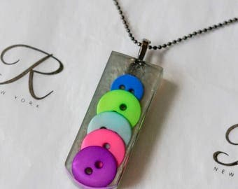 Buttons Resin Pendant (0226)