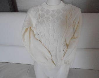Wool Sweater. Acrylique.10 years. Ivory color