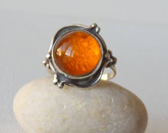 Vintage Sterling Silver Round Amber Ring, Baltic Amber 925 Ring, Size 6 1/2, Gold Amber Ring, Romantic Ring Size 6.5, Unique Retro Jewelry