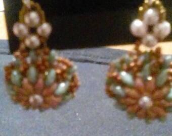 Round drop earrings