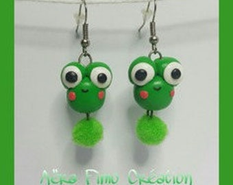 Little Green Frog polymer clay earring